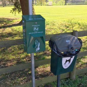 Dog Glove™ Dispenser in Dumbleton